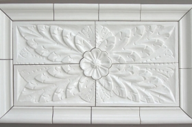 Colonial Flower in White for Decorative White Insert