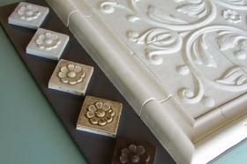 Floret tile,  Bordeaux tile with Plain Frame