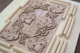 Grapes and Leaves tile set with Small Half Round liners