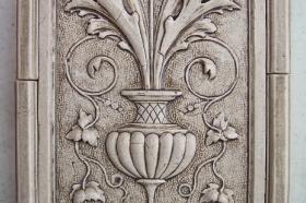 Vertical Urn Close Up