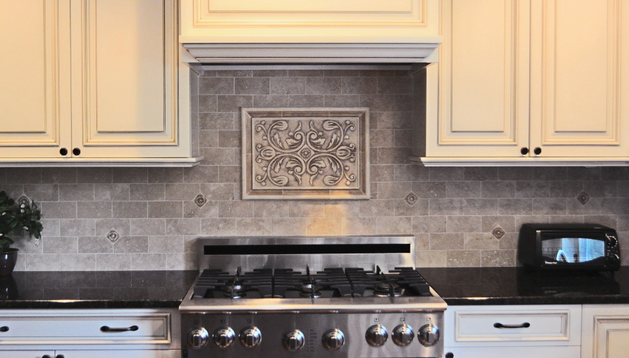 kitchen backsplash mozaic insert tiles decorative medallion tiles