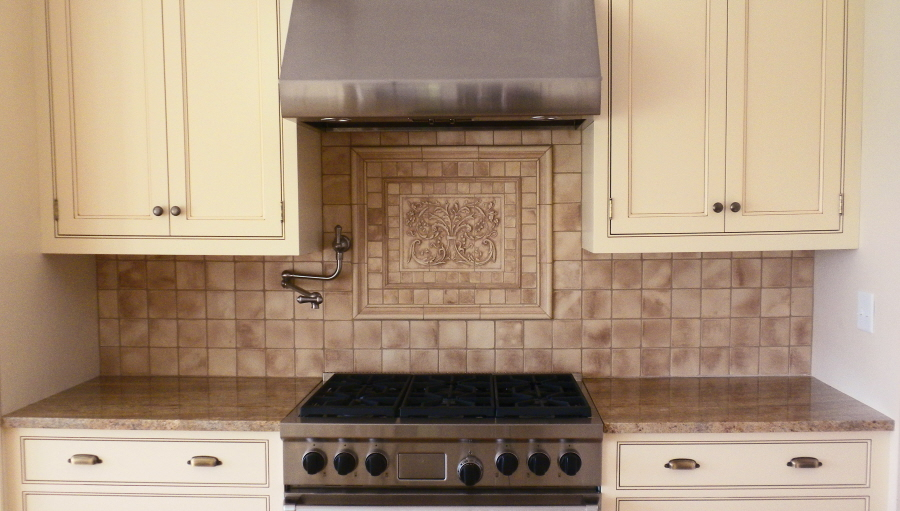 kitchen backsplash mozaic insert tiles, decorative medallion tiles ...